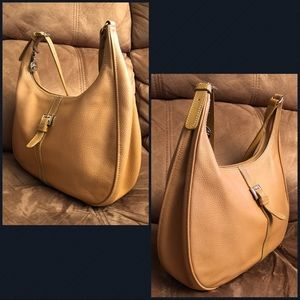 a9695941bd65 Longchamp Bags - Longchamp Caramel Tan Hobo Leather Shoulder Bag!